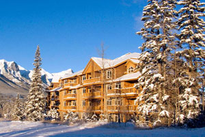 Falcon Crest Lodge, Canmore